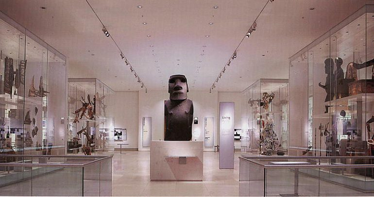 Moai at the British Museum,