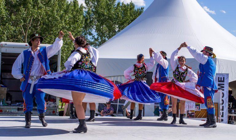 Polish traditional dancing