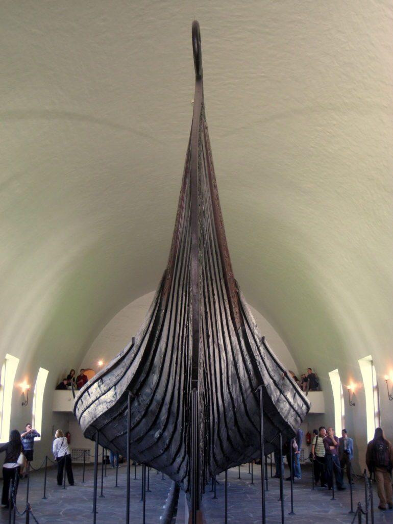 Oseberg-Schiff, ein ähnliches Wikinger-Bestattungsboot aus Norwegen