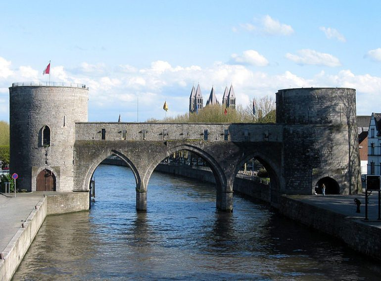 The Pont des Trous in 2005