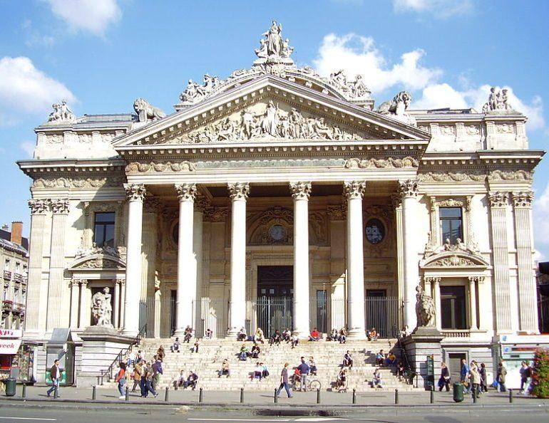 Le bâtiment de la Bourse a été achevé en 1870.