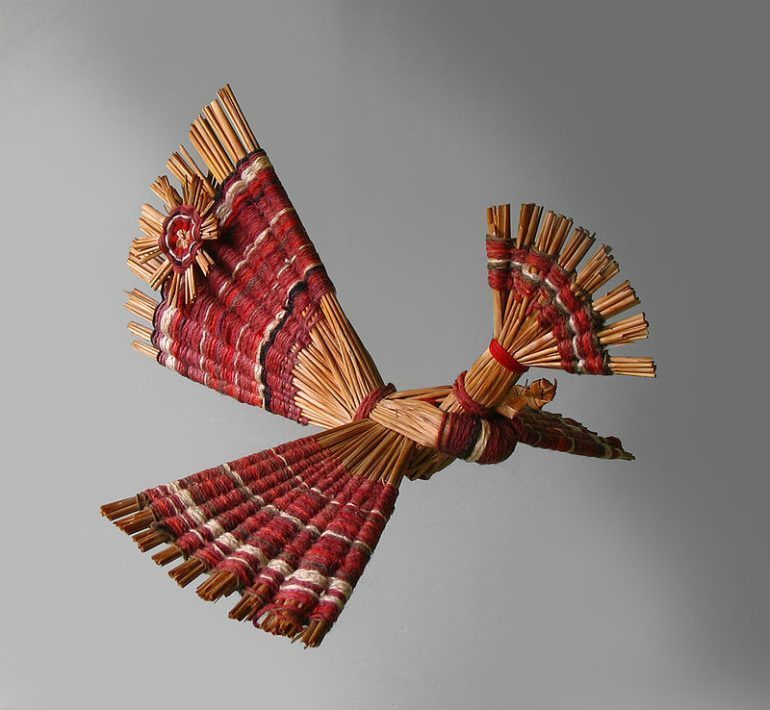 Belarusian straw work depicting a bird.