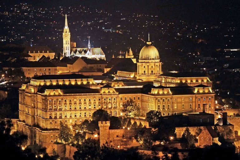 The Prime Minister's Office plans shift in to Buda Castle premises.
