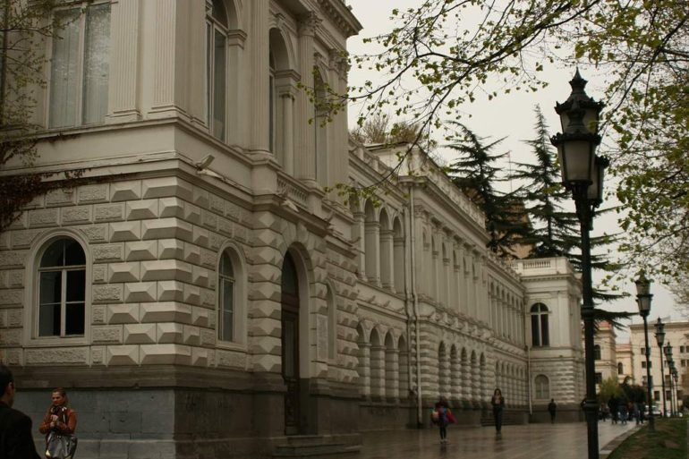 The National Palace also became the tribune for governments of Armenia and Azerbaijan, the two other nascent modern states of the South Caucasus, to announce about their break from Russian control.