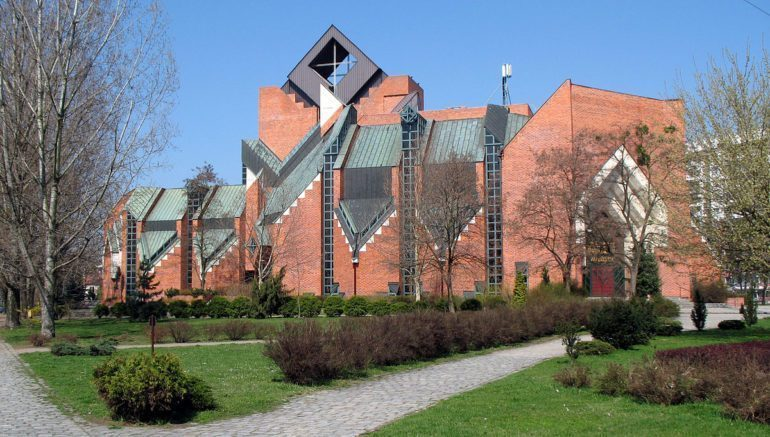 "Kuba Snopek says that these modern churches are ""the most distinctive Polish contribution to the architectural heritage of the 20th Century."""