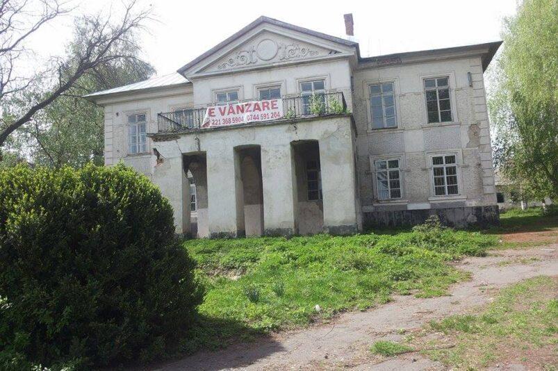 Vârnav Liteanu House in Liteni, Romania