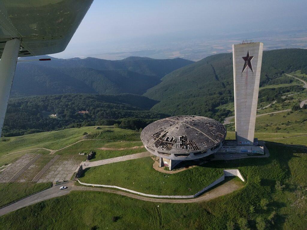 Buzludzha_Monument