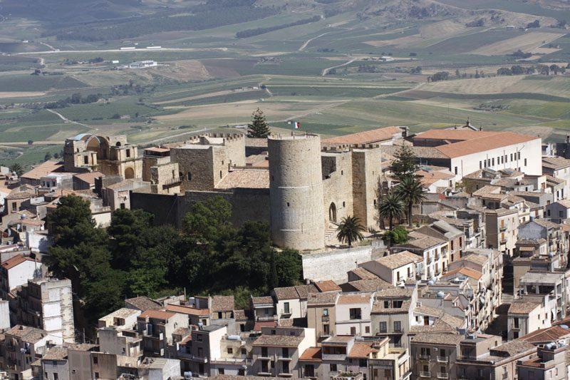 Salemi Castle. Image: Giacomocostaphoto Wikimedia CC BY SA 3.0