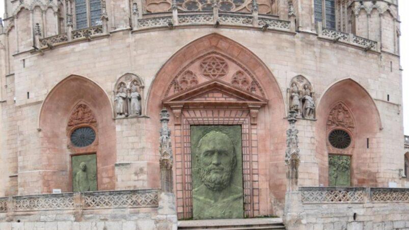 Türen der Kathedralen von Borgos