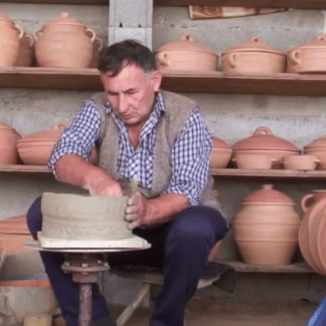 Zlakusa pottery making