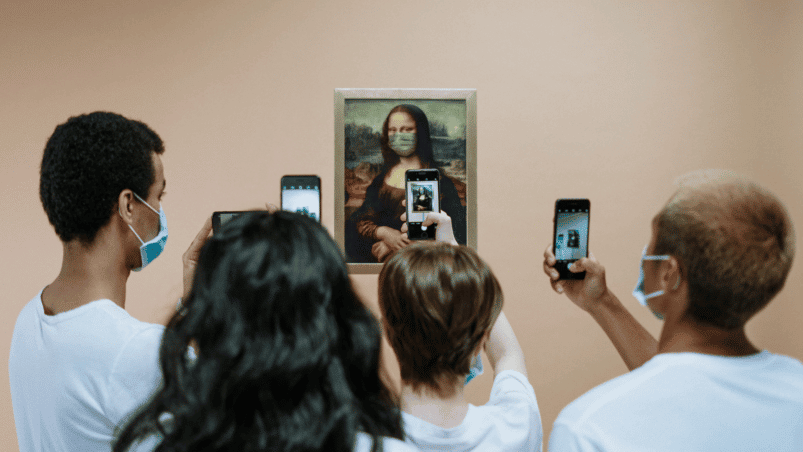 Mona Lisa avec masque facial